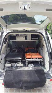 Functionele lijkwagen voor overledenvervoer